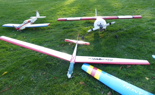 0211 BG Modellflugzeuge 359
