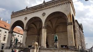 0208 1907 München Platz 1