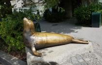 0408 2007 Zoo Skulptur Robbe