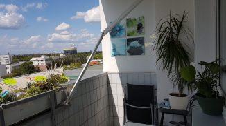 1408 Balkon kaputte Markise 1.jpg