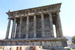 0509 Tempel Garni 283