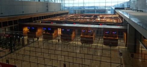 2511 Flughafen Corona 86